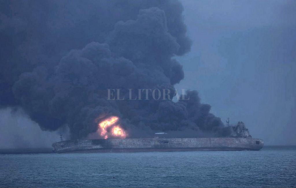 China busca 32 desaparecidos tras colisionar dos barcos en la costa oriental
