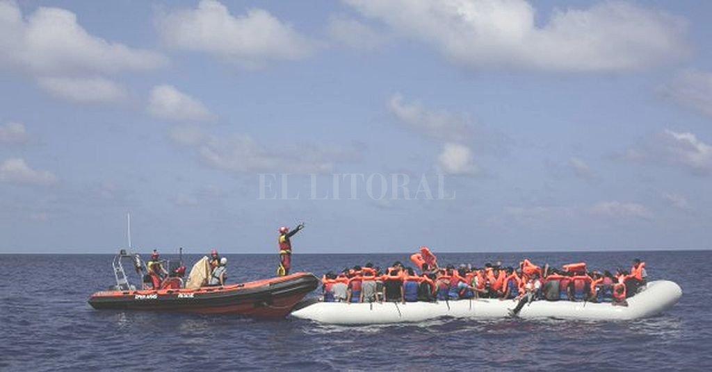 25 migrantes mueren en naufragio