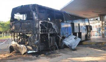 Se incendió un colectivo en la terminal