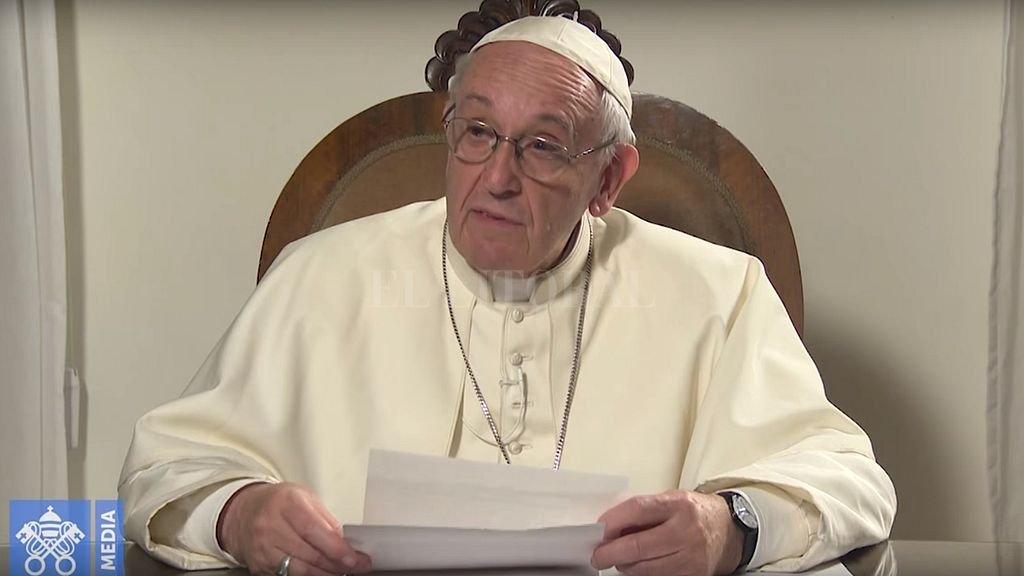 Atacaron tres iglesias y dejaron mensajes contra el Papa — Chile