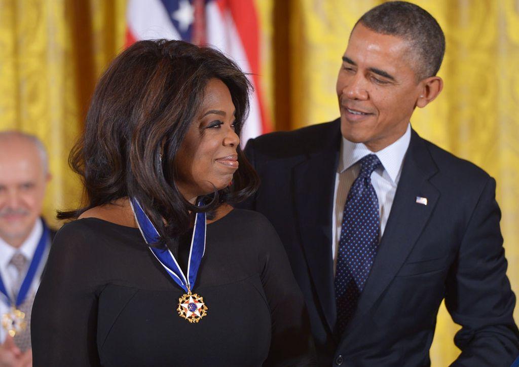 Oprah Winfrey junto a Barack Obama. Crédito: Internet