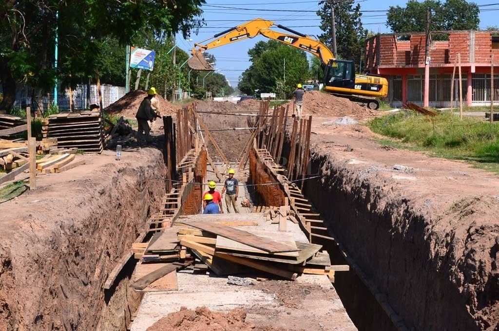 Es el proyecto hidráulico más importante que está en marcha en la ciudad. Permitirá quintuplicar el escurrimiento de tres barrios. <strong>Foto:</strong> Gentileza
