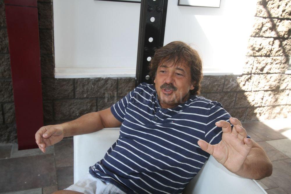 """""""El cine bueno tiene que invitar a imaginar"""", afirmó Bruno a El Litoral. Guillermo Di Salvatore"""