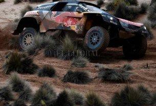 Carlos Sainz enojado con la organización del Dakar