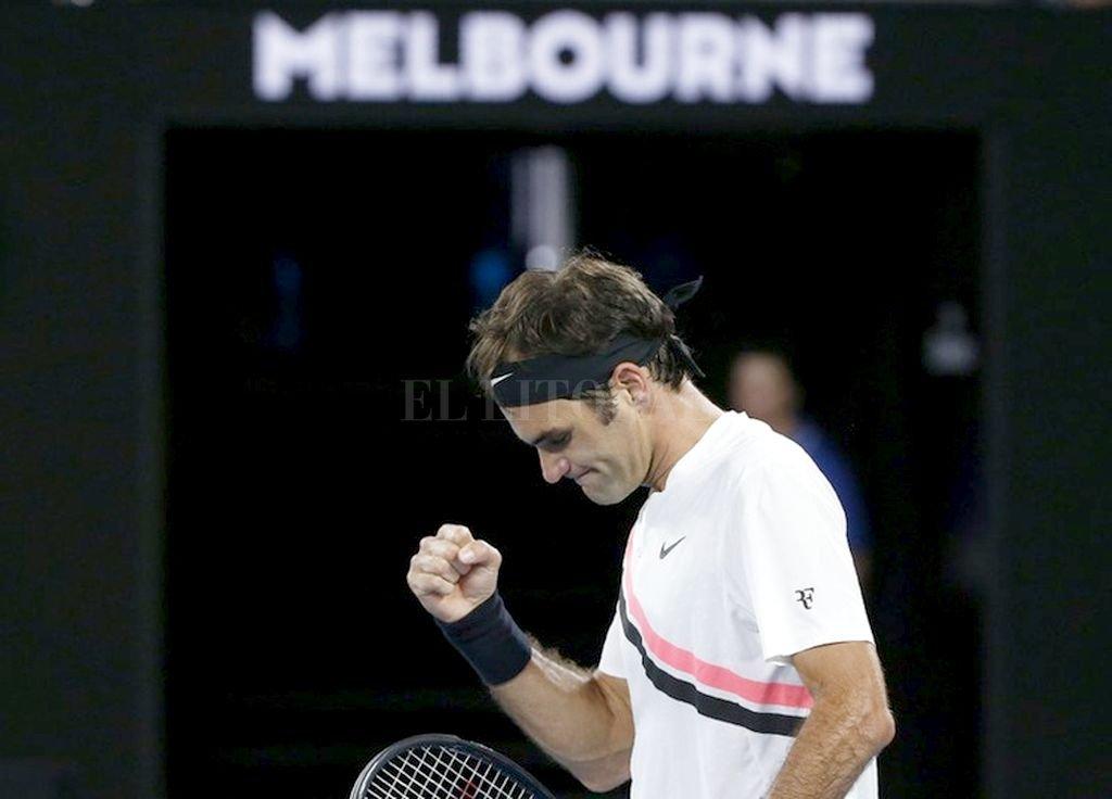 Federer avanza con firmeza. Crédito: Internet