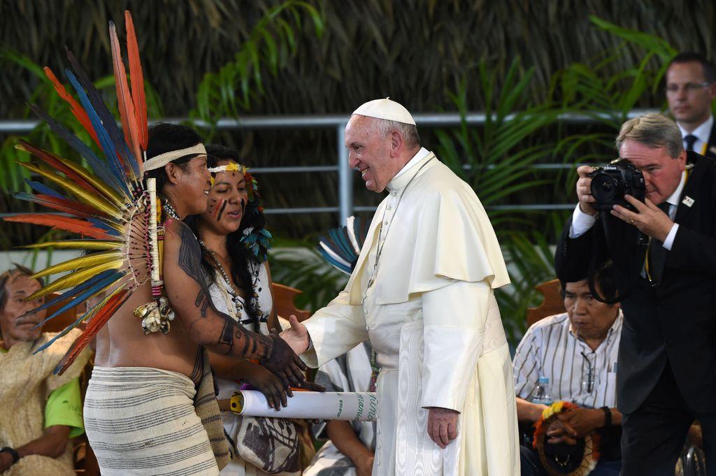 Puerto Maldonado, Perú: En un fuerte mensaje en defensa del medio ambiente en la selva peruana, el papa Francisco aseguró hoy que