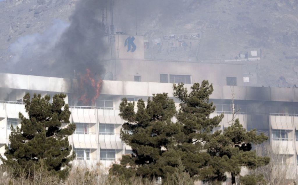 El lujoso hotel fue atacado el fin de semana. Internet