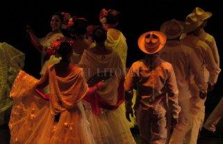 Bailes de Latinoamérica en Danza en la Playa