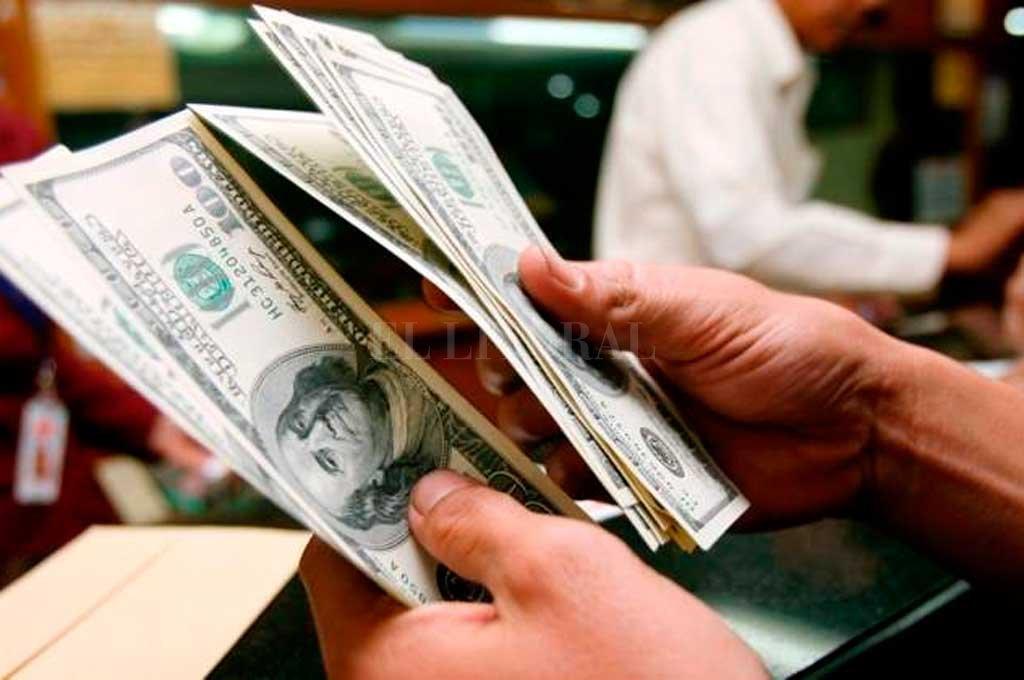 El dólar marcó un nuevo récord
