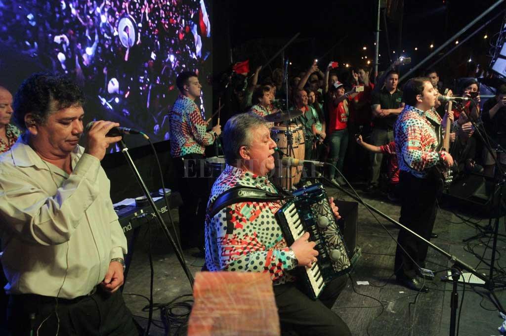 Los Palmeras en los festejos de los 112 años de la fundación de Colón  Crédito: Manuel Fabatía
