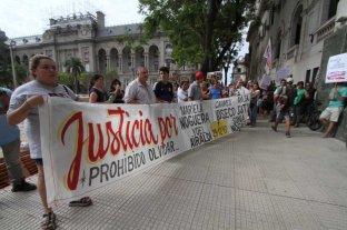 Familiares de las víctimas del quíntuple femicidio marcharon a Tribunales