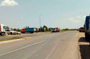 Camioneros realizan manifestaciones en rutas santafesinas