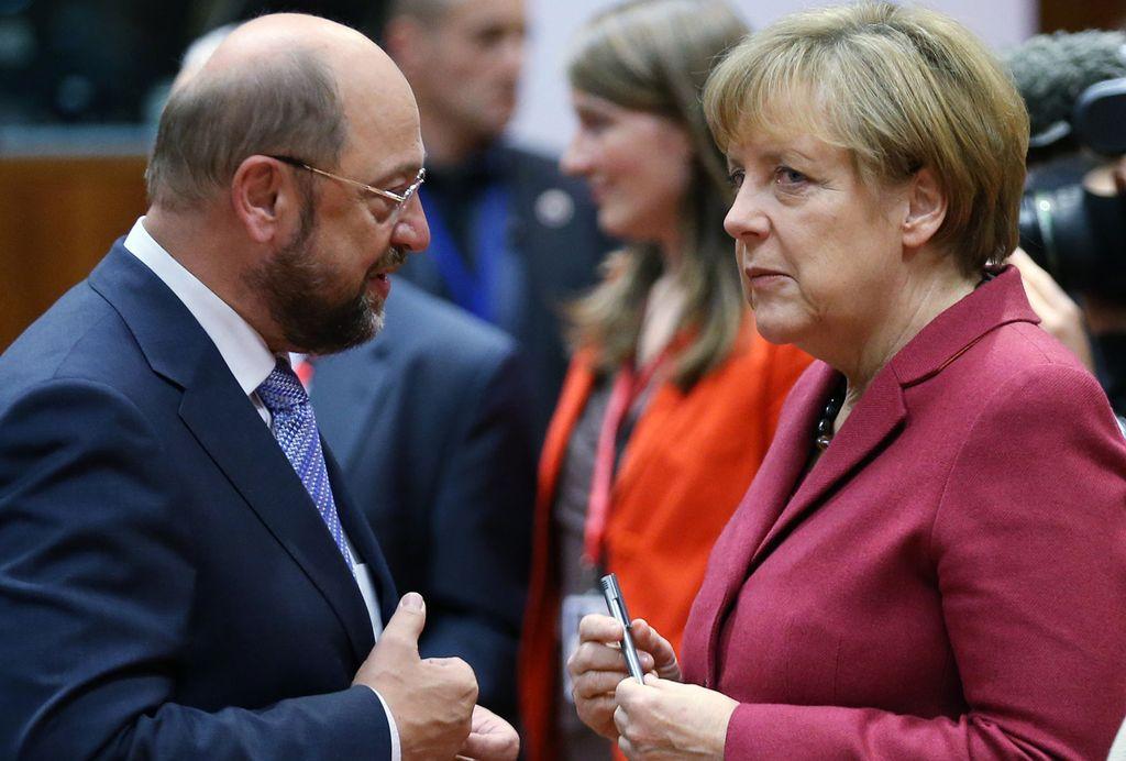 Martín Schulz, líder de la socialdemocracia, y la canciller Angela Merkel Crédito: Internet
