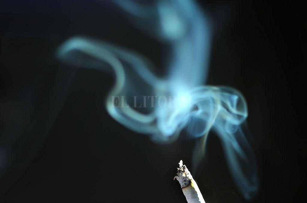 Un estudio demuestra que los restos de tabaco permanecen - Como eliminar el humo del tabaco en una habitacion ...