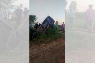 Vuelco fatal en un camino rural entre Ángel Gallardo y Monte Vera