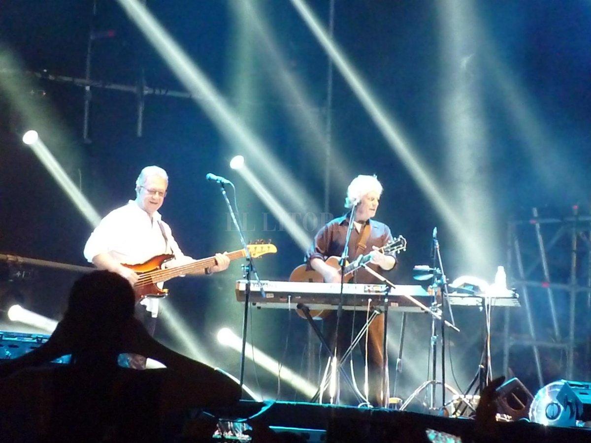 El histórico Stu Cook y Steve Gunner, en el concierto de Creedence Clearwater Revisited.  IAA