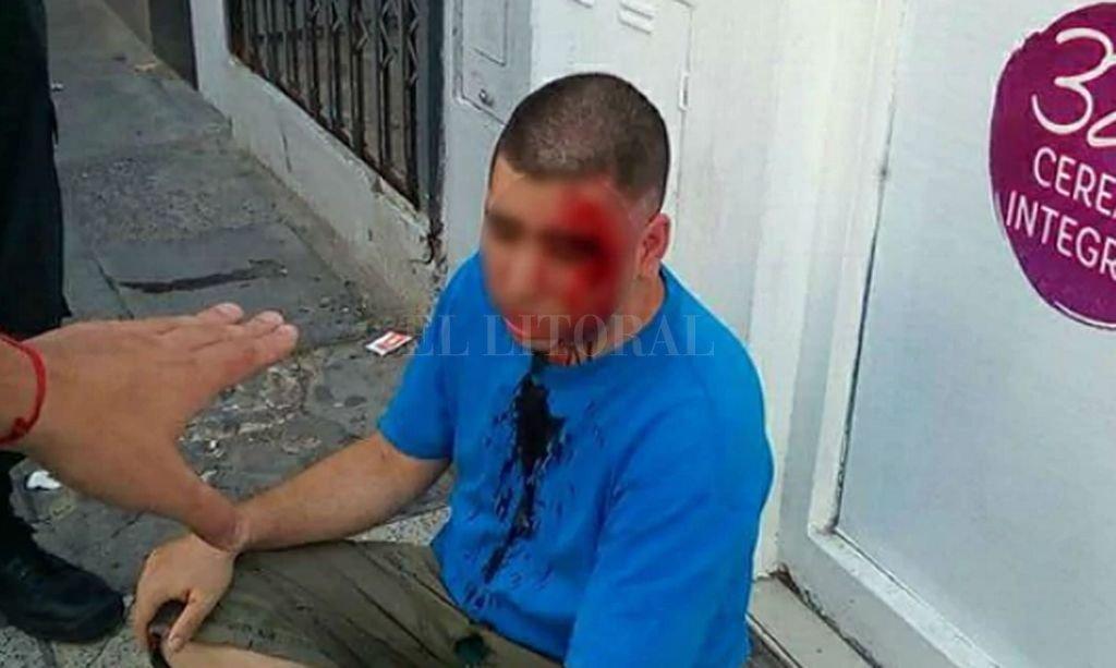 El abusador fue golpeado por el padre de la nena a la que el sujeto acosaba por whatsapp. Captura digital