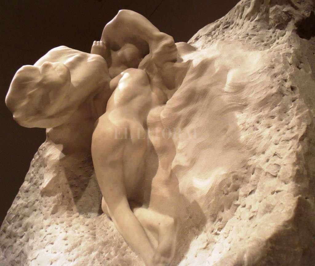 La Tierra y la Luna (c.1898). Mármol de 133 x 97 x 87 cm. Adquirida por Eduardo Schiaffino para el MNBA en 1906. Gentileza C. Marty