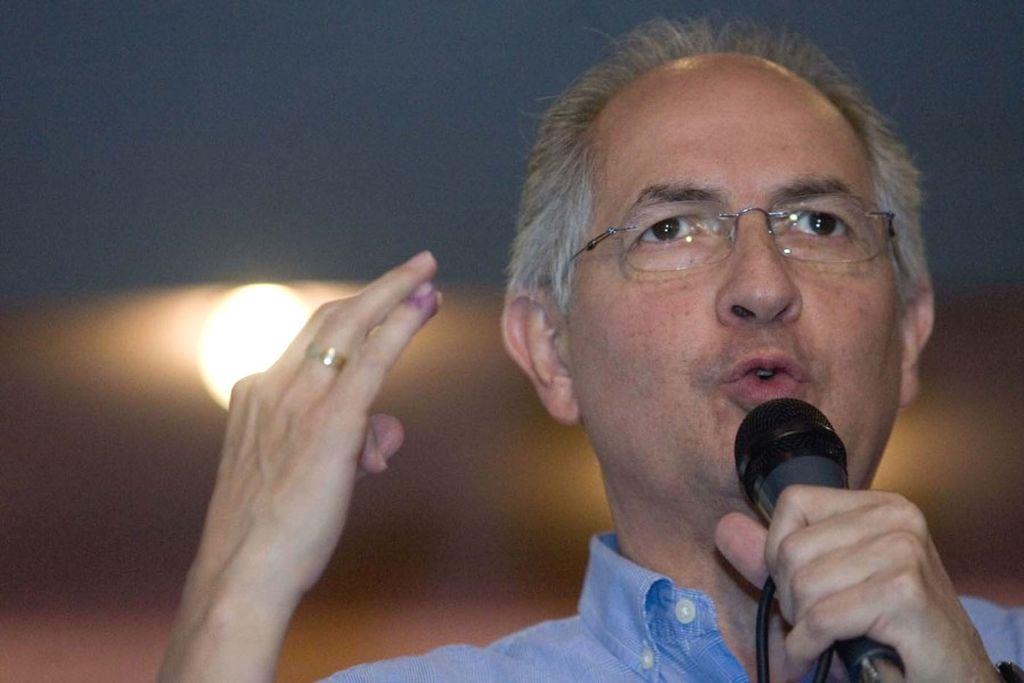 El ex alcalde de Caracas Antonio Ledezma reclamó una