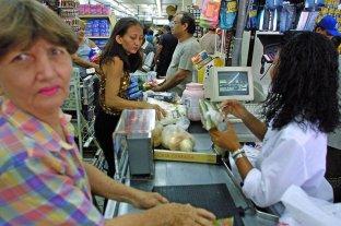 El costo de la canasta familiar en Venezuela aumentó más del 3.800% en una año