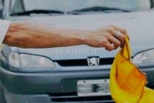 """Le dio las llaves a un """"trapito"""" para que le lave el auto y se lo robó"""