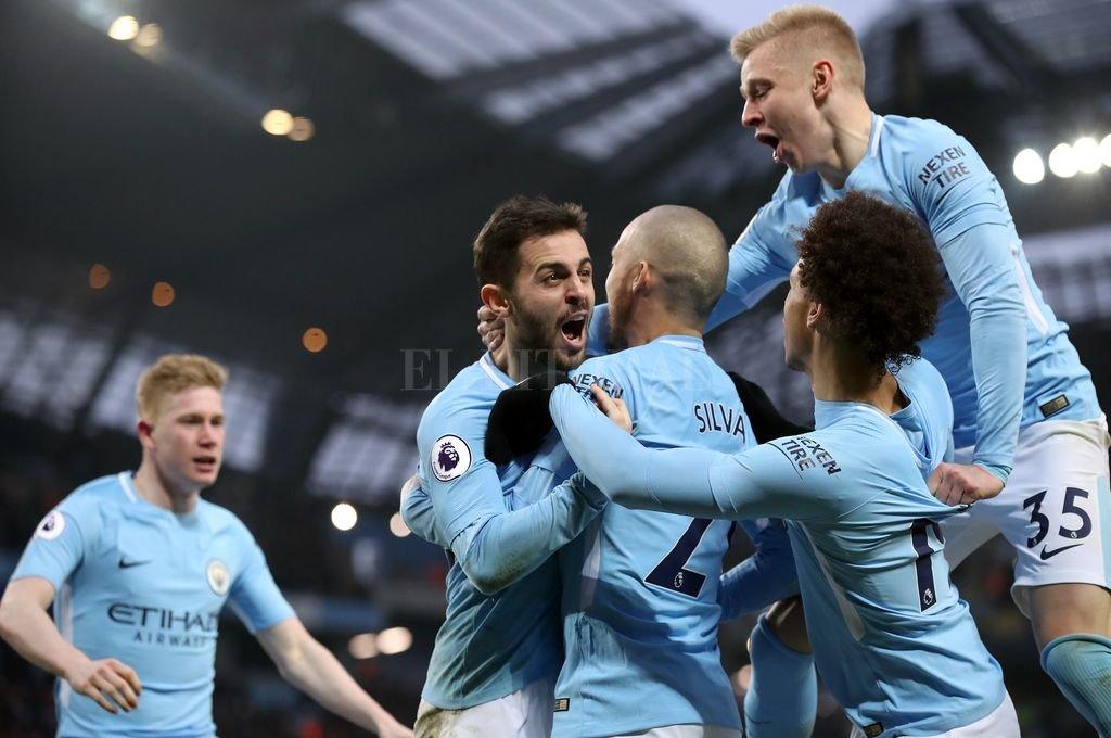 Manchester City amplia su ventaja en Inglaterra luego de derrotar a Chelsea