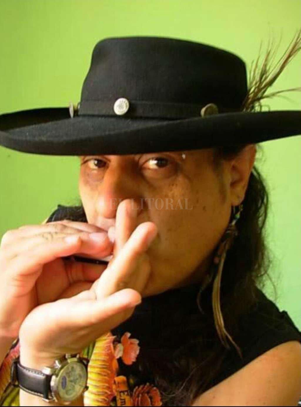 Robinson es la gran figura de la armónica de blues en la Argentina. Gentileza producción