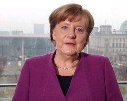 """Merkel sobre la igualdad en el día de la Mujer: """"La lucha continúa"""""""