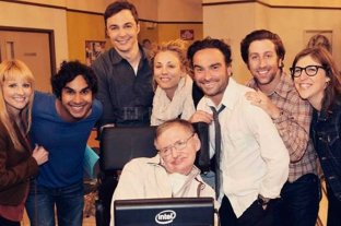 Actores de The Big Bang Theory recordaron a Stephen Hawking -