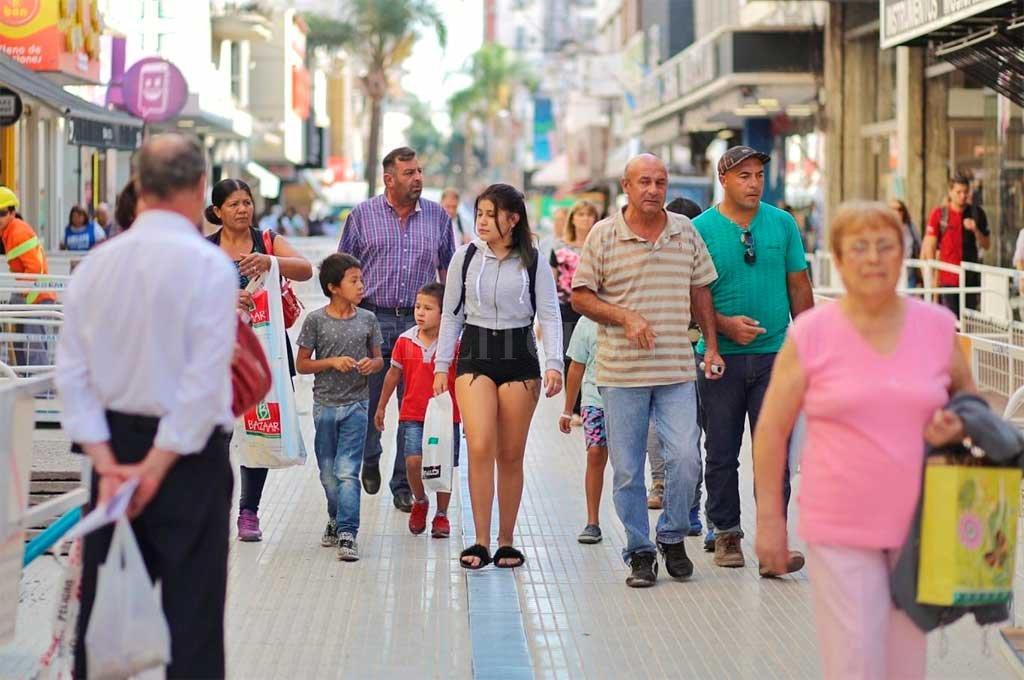 Quienes visitan el tradicional paseo de compras de la ciudad de Santa Fe se topan con la obra de refacción Crédito: Gentileza Municipalidad de Santa Fe