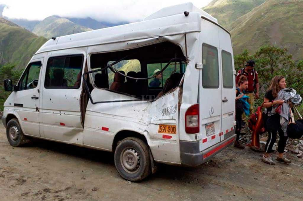 Así quedó la camioneta en la que viajaba la santafesina en Perú <strong>Foto:</strong> Facebook ABC La Convención Noticias