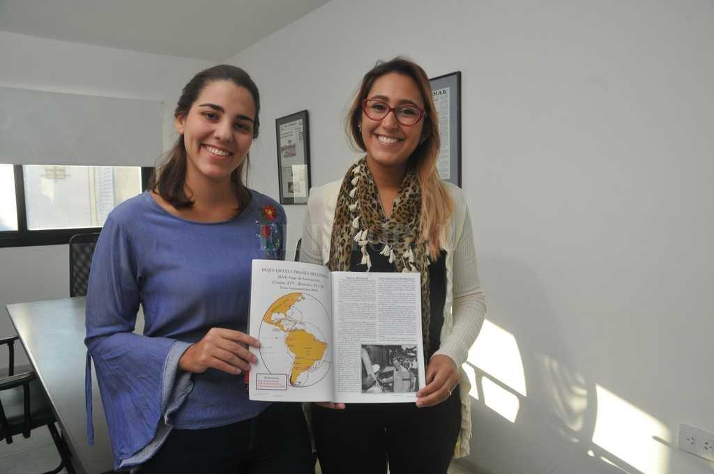 """Camila Kemerer y Ariana Pietrasanta serán las primeras """"embajadoras"""" de la UNL en la Fragata Libertad.  Flavio Raina"""