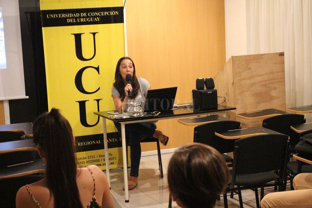 Anahí Lovato, especialista en Periodismo Transmedia, forma parte del destacado equipo docente. Crédito: Gentileza