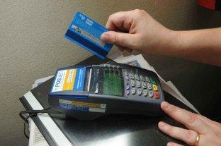 Proponen que las ventas con débito se acrediten inmediatamente en los comercios