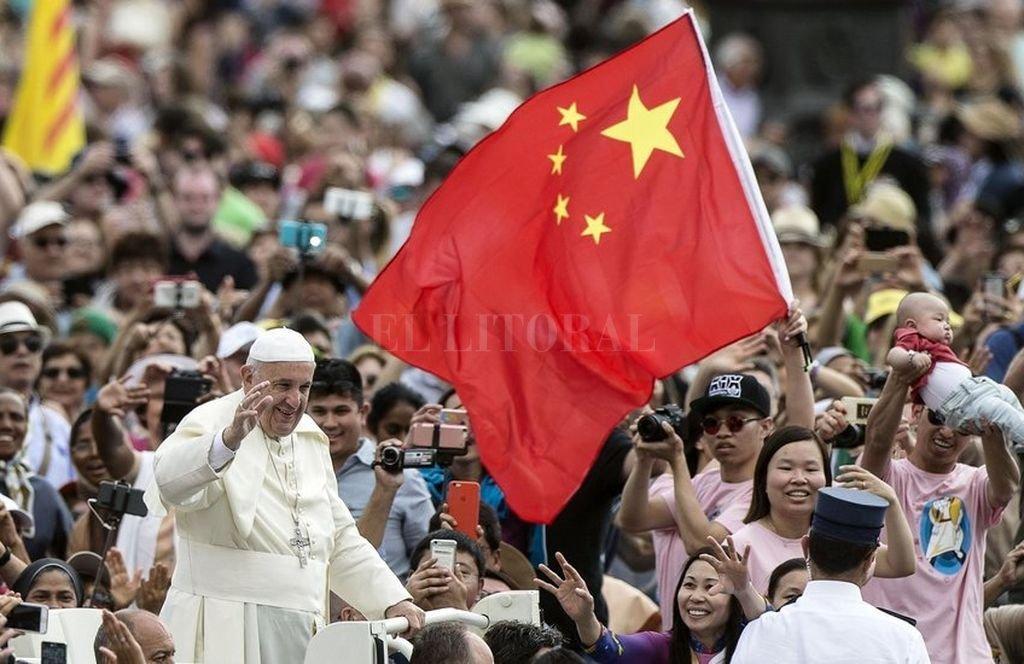China quiere mejorar su relación con el Vaticano. Crédito: Asia News