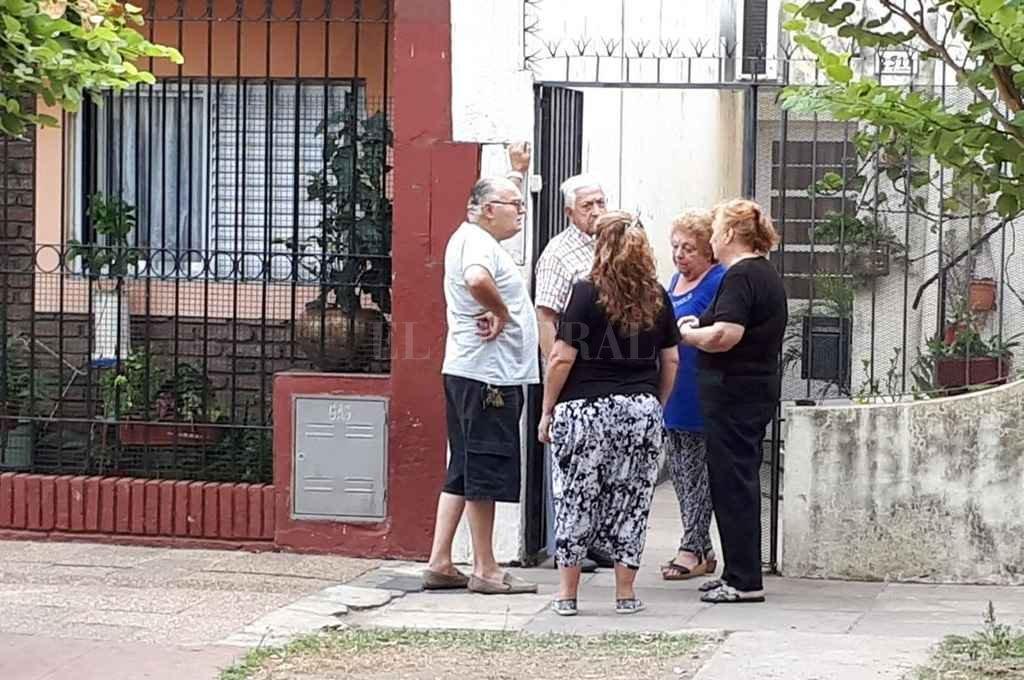 Conmoción. Es la que viven hoy los vecinos de barrio Roma, donde denuncian que la policía dejó de prevenir el delito.  <strong>Foto:</strong> El Litoral