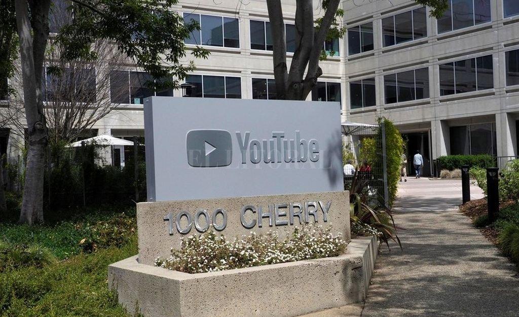 Antes del tiroteo, YouTube había decidido prohibir videos sobre venta y ensamblaje de armas <strong>Foto:</strong> Internet