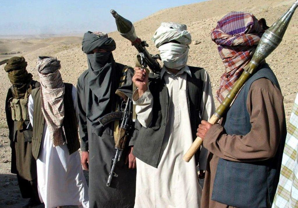 Mueren 11 policías en ataque talibán en oeste de Afganistán