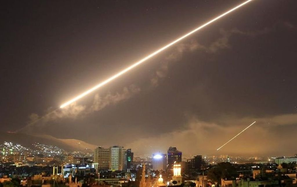 Trump amenazó con volver a tomar medidas militares si el gobierno sirio usa armas químicas en el futuro. Crédito: Internet
