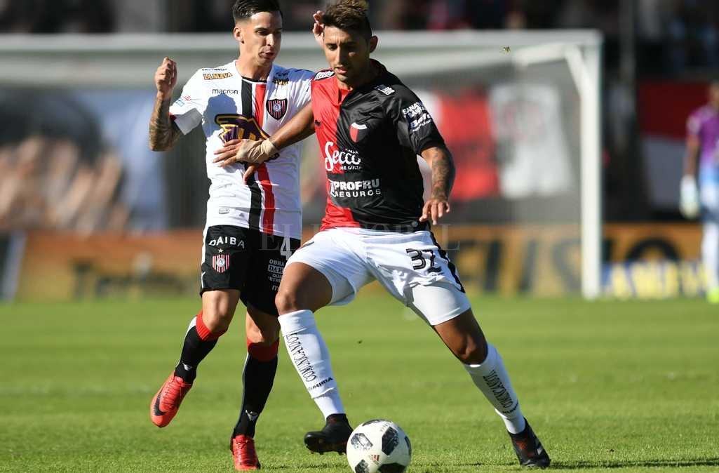 Colón le ganó 2 a 0 a Chacarita Crédito: Télam