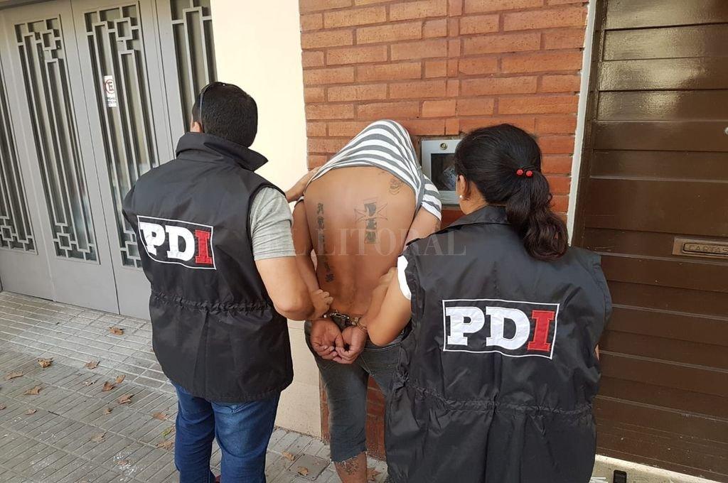 Efectivos de la PDI del departamento San Martín detuvieron a Herrera el lunes 9 de abril en Rosario. <strong>Foto:</strong> Ministerio de Seguridad