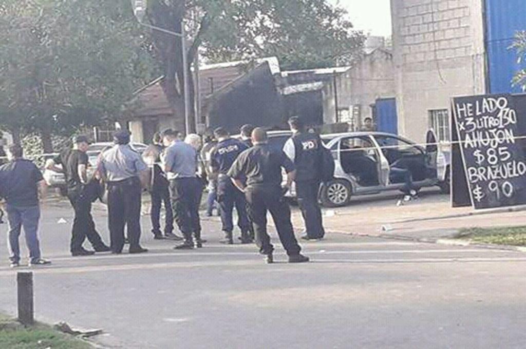 Acribillaron a tres personas dentro de un auto en Granadero Baigorria