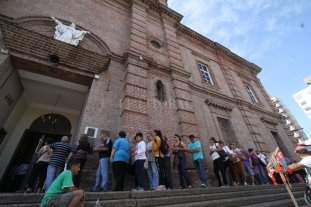 Miles de fieles renuevan su fe en San Expedito