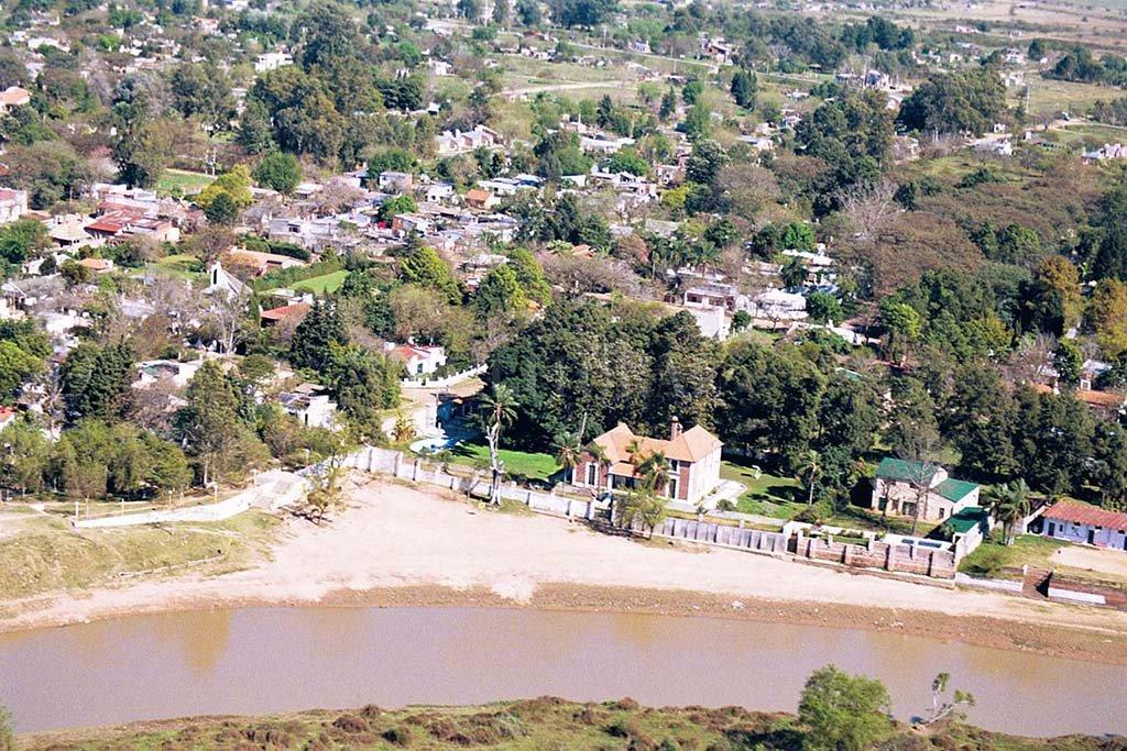 La playa junto al arroyo Ubajay. Se define si el servicio de gas natural por redes llegará más allá de San José del Rincón. <strong>Foto:</strong> Archivo El Litoral.