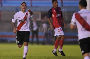 River goleó a Arsenal