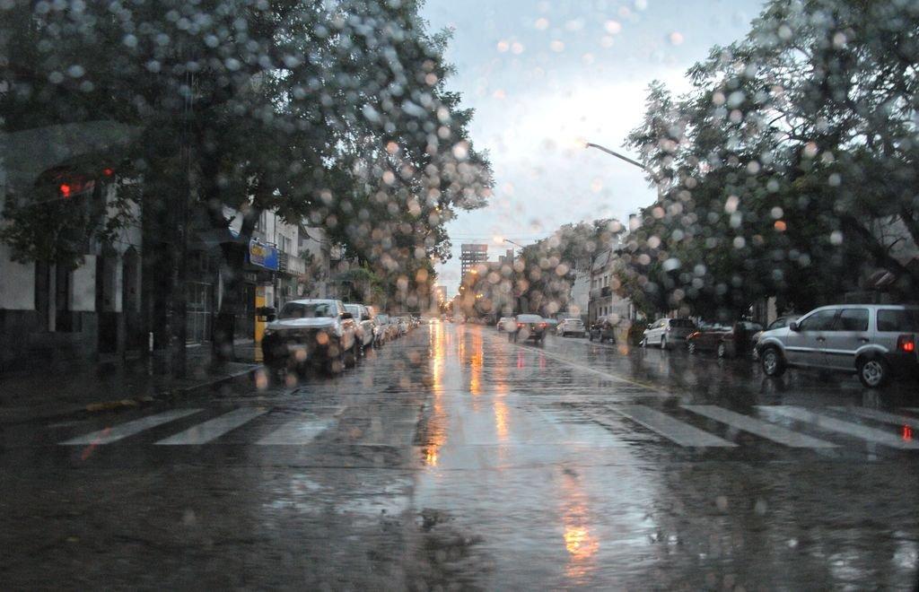 Lluvia en la ciudad. <strong>Foto:</strong> Flavio Raina