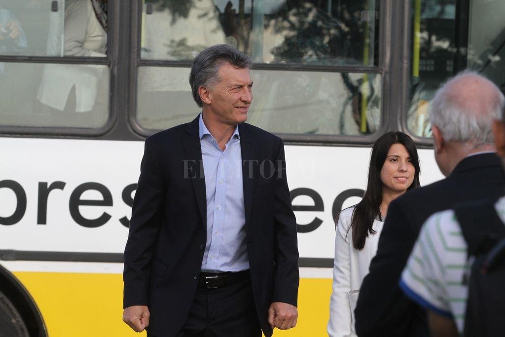 2017.05.03 - Visita de Macri para inaugurar el Metrofe metrobus el año pasado. <strong>Foto:</strong> Mauricio Garín