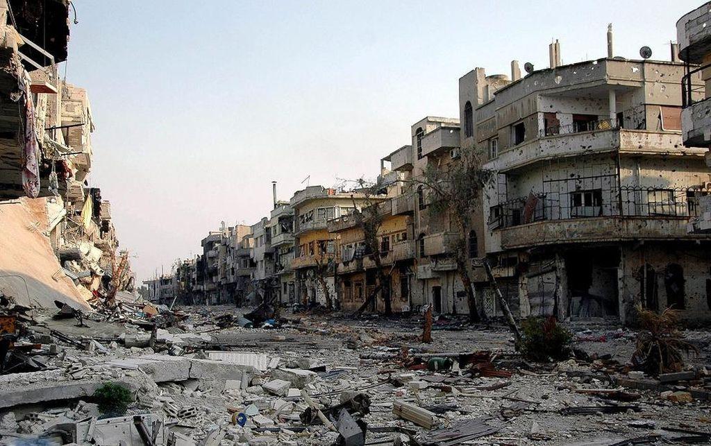 Siria lanza 8 bombas de 500 libras contra EIIL en Damasco — Vídeo