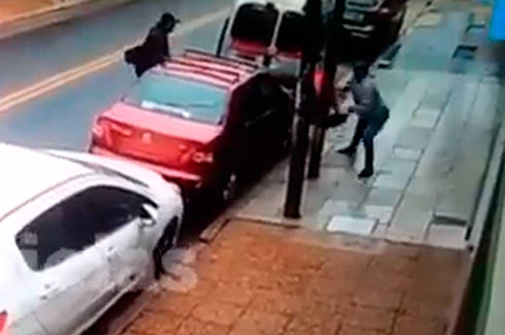 Munro: le partieron la cabeza contra un poste para robarle la cartera