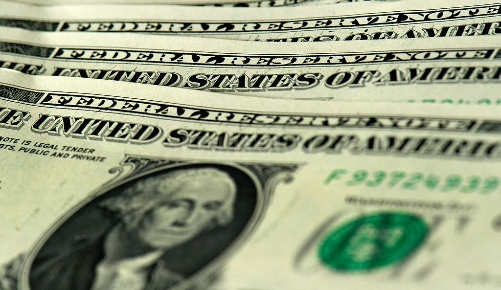 Los anuncios no frenaron el dólar que terminó $ 23,12